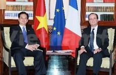 越南政府总理阮晋勇会见各国领导