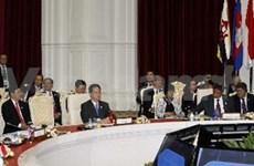 越南政府总理阮晋勇出席第21届东盟峰会开幕式