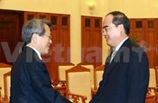 越南政府副总理阮善仁会见韩国审计监察院院长