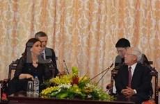 阿根廷总统访问越南胡志明市