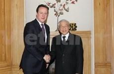 越共中央总书记阮富仲与英国首相举行会谈