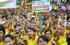 数万名志愿者参加2013年春季志愿活动