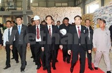 阮晋勇总理出席柬埔寨太皇西哈努克遗体火化仪式