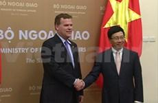加拿大外长:越南是加拿大具有战略意义的合作伙伴