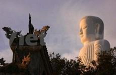 岘港的著名旅游胜地:灵应-佛滩寺