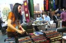 800多加企业参加2013年第四届越南国际手工艺品展会