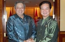 阮晋勇总理会见印尼总统