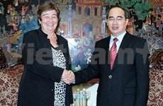 越南政府副总理阮善仁会见德国学术交换处秘书长