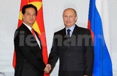 阮晋勇总理会见俄罗斯总统普京