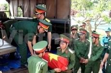 昆嵩省举行在老柬牺牲烈士安葬仪式