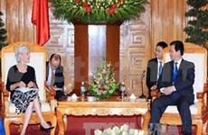 阮晋勇总理会见美国卫生与公众服务部部长
