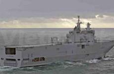 法国两艘海军军舰访问越南