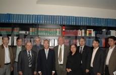 越南祖国阵线中央委员会高级代表团访问德国