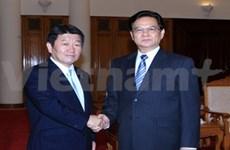 越南政府总理阮晋勇会见日本经济产业大臣