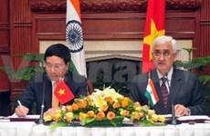 越南与印度混合委员会举行第15次会议