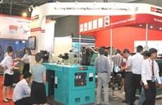 众多企业参加2013第十四届中国机械(越南)展会