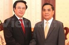 老挝领导人会见越共中央对外部代表团