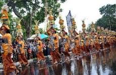 经济衰退外国游客踊跃赴印尼旅游