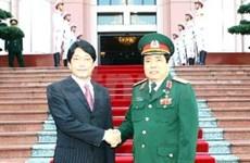 日本国防部长圆满结束对越南的访问
