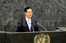 越南政府总理阮晋勇接受世界各国通讯社的采访