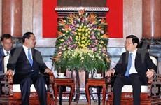 越南国家主席张晋创会见柬埔寨首相洪森