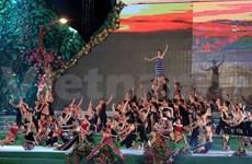 张晋创主席出席2013年大叻旅游文化周开幕式