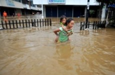 印尼暴雨引发洪水 数千人被迫紧急撤离
