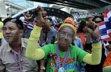 泰国选举委员会建议作为看守政府和示威者的中间调解人