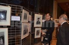 越法关系的4个世纪图片展在法国举行