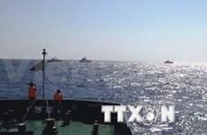 中国船只继续拦阻越南执法船在东海执行任务
