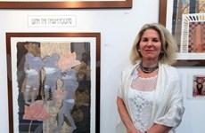 美国当代艺术收藏者向世界友人推介越南绘画