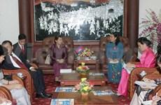 越南柬埔寨加深两国妇女协会友谊