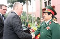越南同波兰加强防务合作