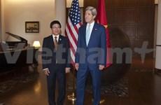 越南政府副总理兼外长同各国国外长举行双边会晤