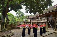 越南广义省努力保护少数民族同胞传统高脚屋