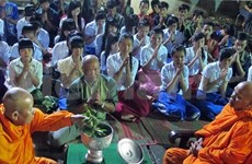 越南祖国阵线中央委员会向朔庄省高棉族同胞孝节祝福