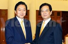 越南政府总理阮晋勇会见日本前首相鸠山由纪夫