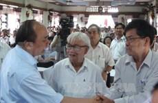 越南国家领导人与各省市选民接触
