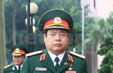 越南国防部长冯光青会见中共中央军委副主席