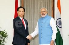 越南政府总理阮晋勇同印度总理莫迪举行会谈