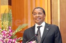 坦桑尼亚总统圆满结束访越之旅