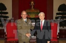 越共中总书记阮富仲会见古巴革命武装力量部部长