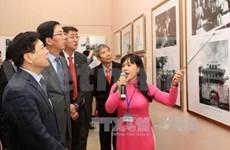 庆祝越中建交65周年图片展在河内举行