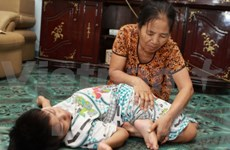 为越南橙毒剂受害者送上新年礼物
