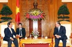 越南政府副总理阮春福会见柬埔寨公共工程与运输大臣