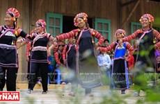 组图:越南拉胡族女人头巾特色