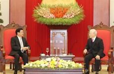 越共中央总书记、国家主席阮富仲会见老挝政府总理通论·西苏里