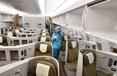 组图:新冠疫情演变复杂  航空公司强化旅客健康保护措施