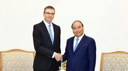 越南政府总理阮春福会见爱沙尼亚外长