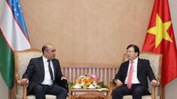 越南与乌兹别克斯坦进一步加强在各领域的合作